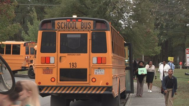Parents voice their opinions on school bus seat belts