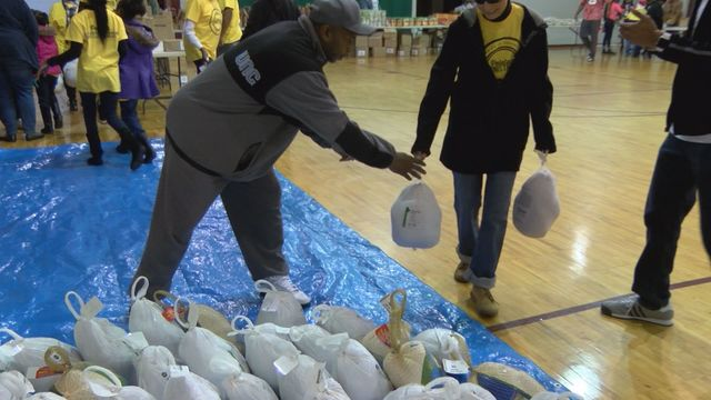 Kinston teens holds turkey giveaway for those in need