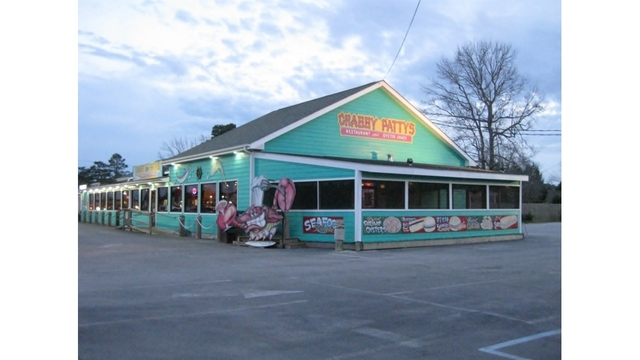 Thieves steal beer, seafood from Crabby Patty's in Havelock