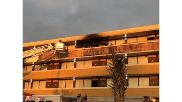 Authorities investigate fire at hotel in Jacksonville